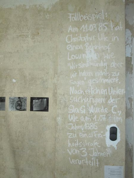 """The fall of the Berlin Wall and its histories - from Europe back to Berlin"""